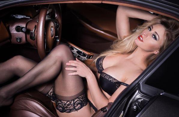Les Jolies Femmes et l'Automobile XIV - Page 40 -tumb157