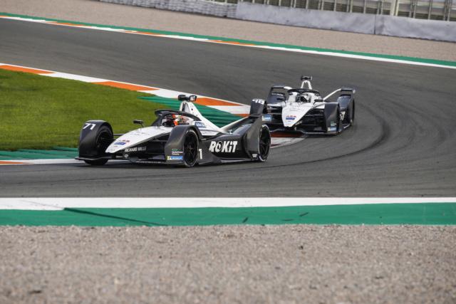 Formule E - Le futur à nos portes... - Page 16 03420011