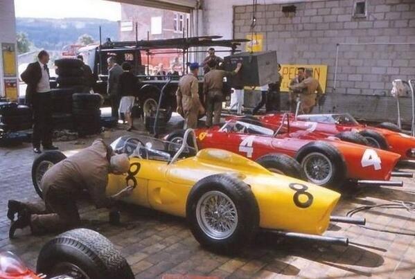Les insolites du sport automobile. - Page 7 1961_b10