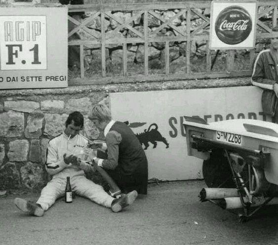 Les insolites du sport automobile. - Page 6 88873110