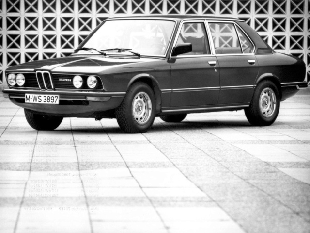 1 si 2 suite - Tome 5 - Page 5 Bmw-5210