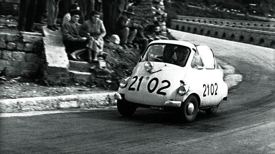 Les insolites du sport automobile. - Page 10 Bmw_is10