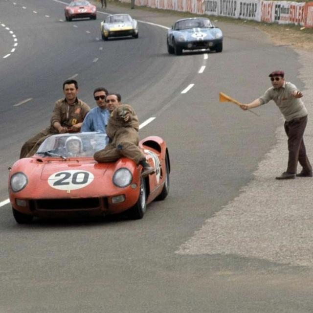 Les insolites du sport automobile. - Page 4 Ferrar10