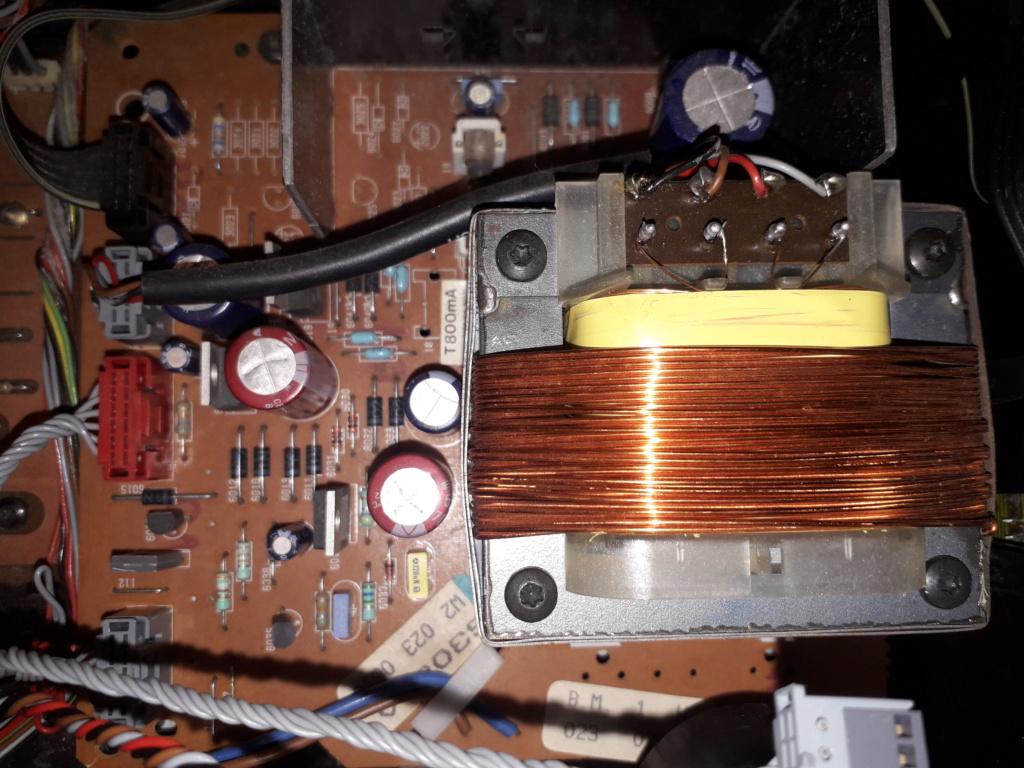 L'auto-radio a chargeur CD de salon: le PHILIPS CDC 586 10_pcb11