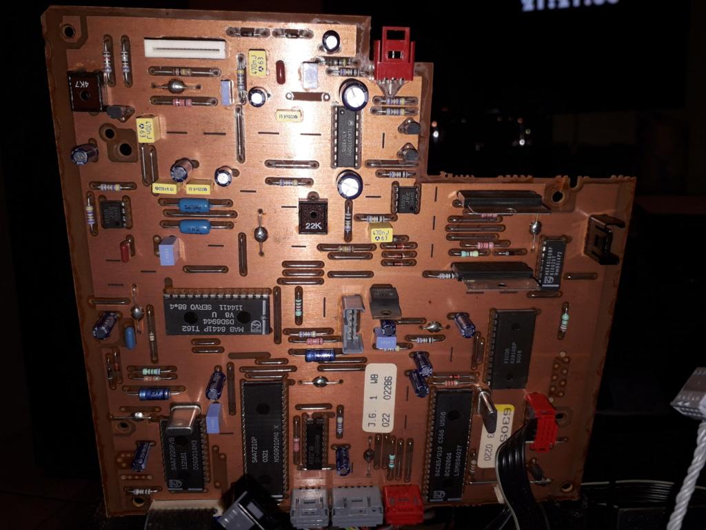 L'auto-radio a chargeur CD de salon: le PHILIPS CDC 586 11_pcb12