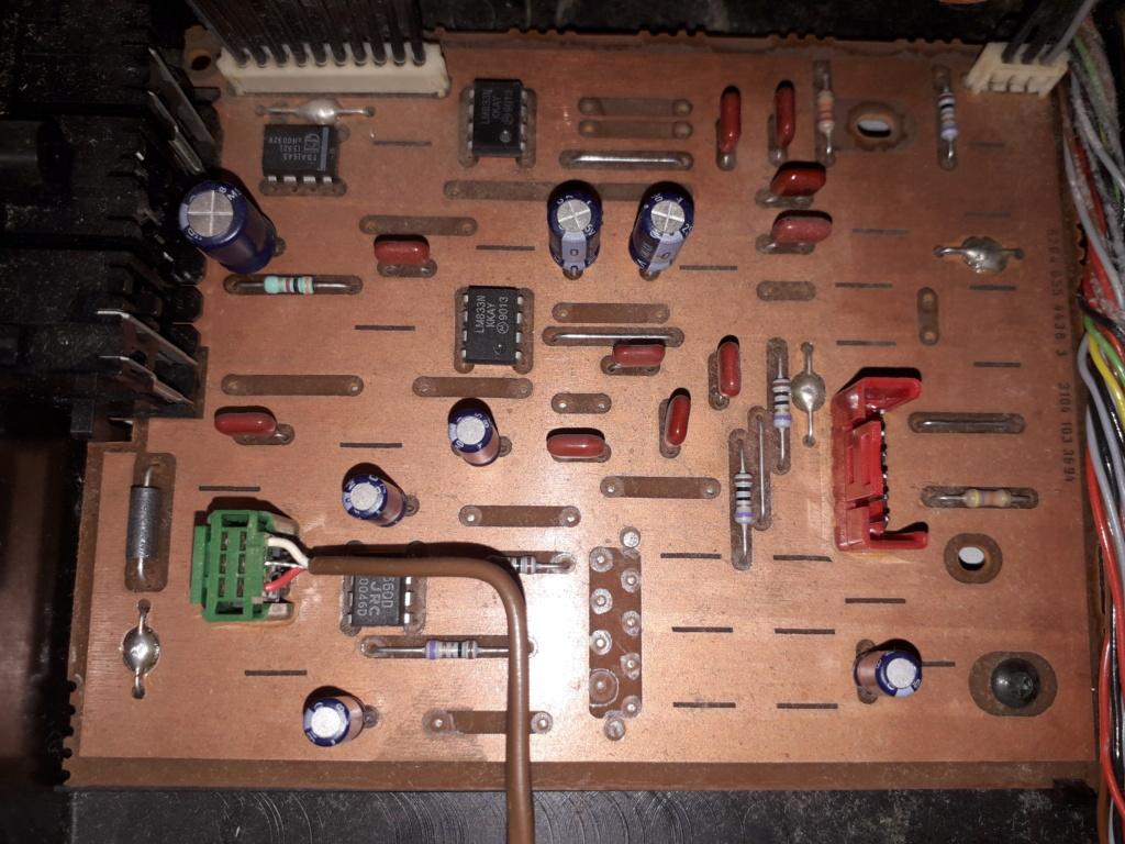 L'auto-radio a chargeur CD de salon: le PHILIPS CDC 586 12_pcb10