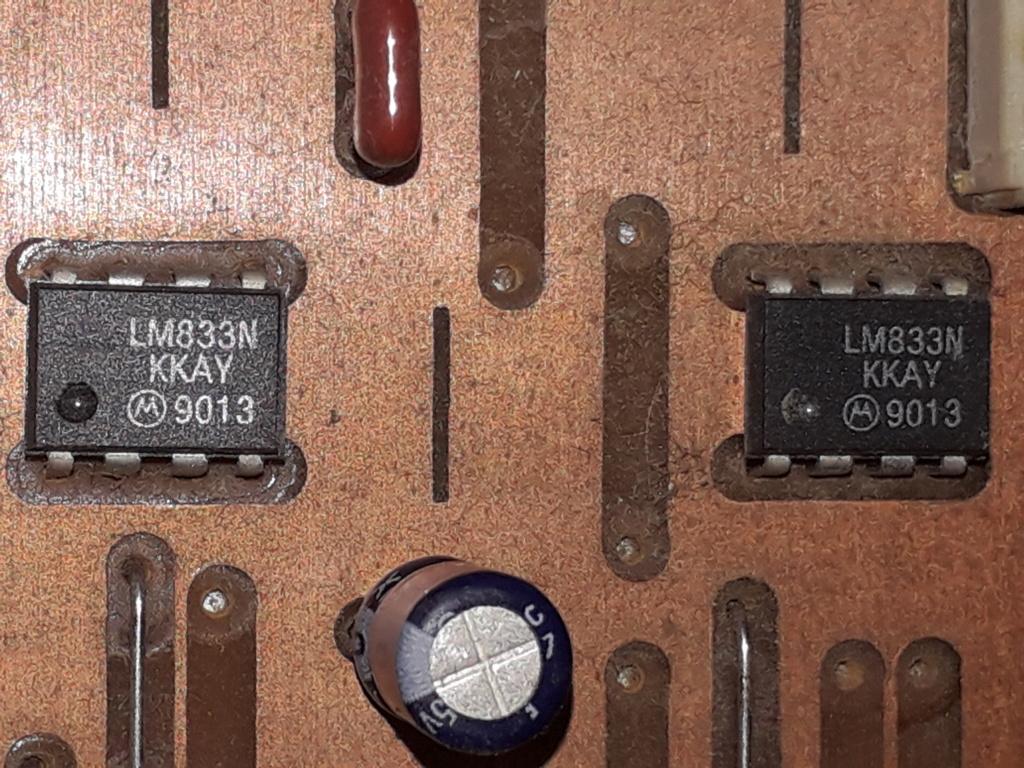 L'auto-radio a chargeur CD de salon: le PHILIPS CDC 586 14_aop11