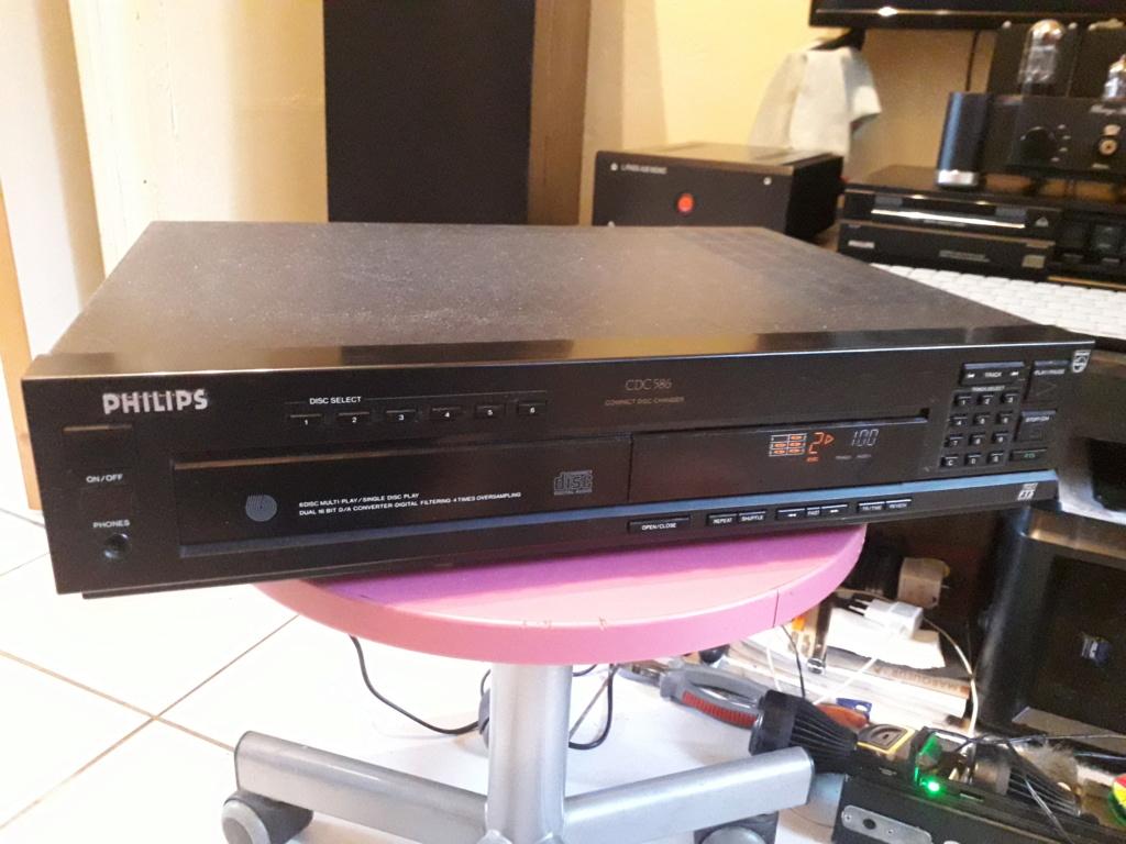 L'auto-radio a chargeur CD de salon: le PHILIPS CDC 586 1_face12