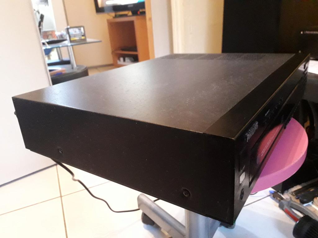 L'auto-radio a chargeur CD de salon: le PHILIPS CDC 586 2_gauc11