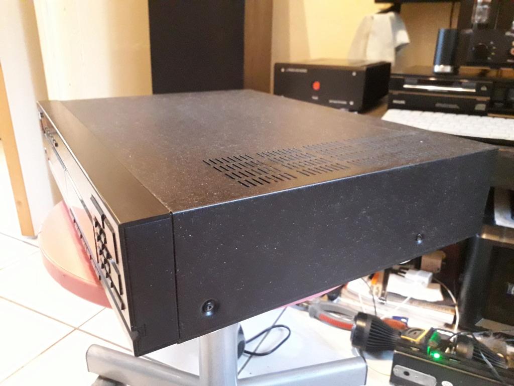 L'auto-radio a chargeur CD de salon: le PHILIPS CDC 586 3_droi11