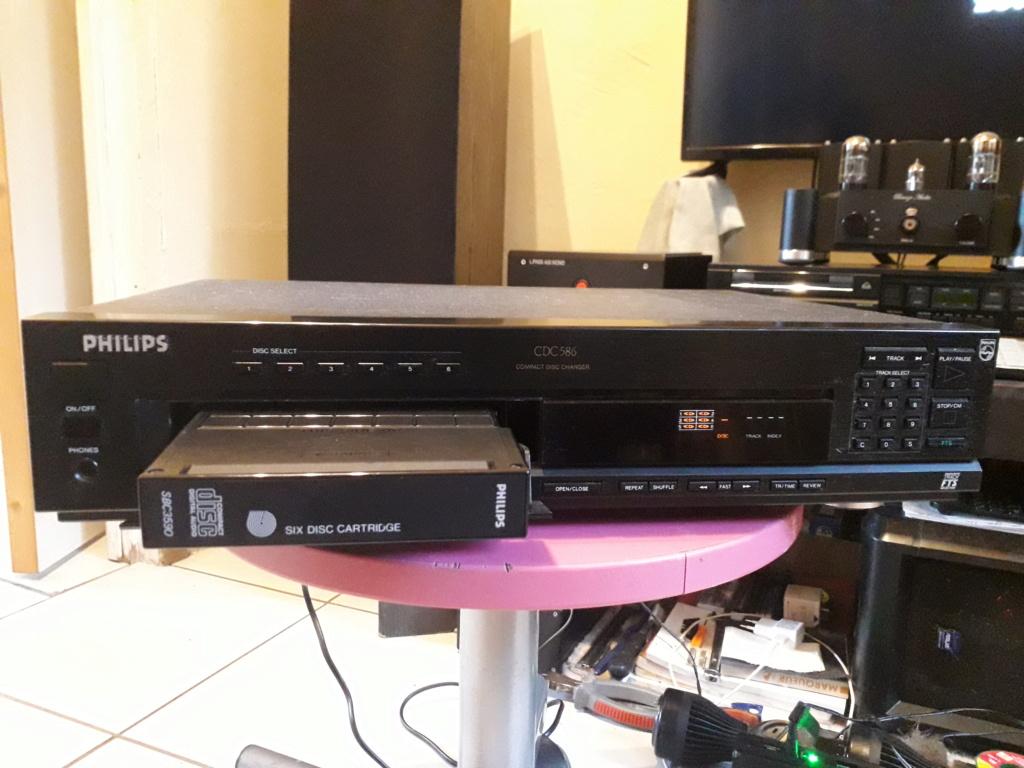 L'auto-radio a chargeur CD de salon: le PHILIPS CDC 586 4_char10