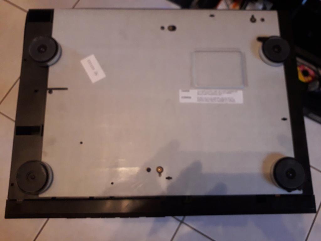 L'auto-radio a chargeur CD de salon: le PHILIPS CDC 586 7_dess10