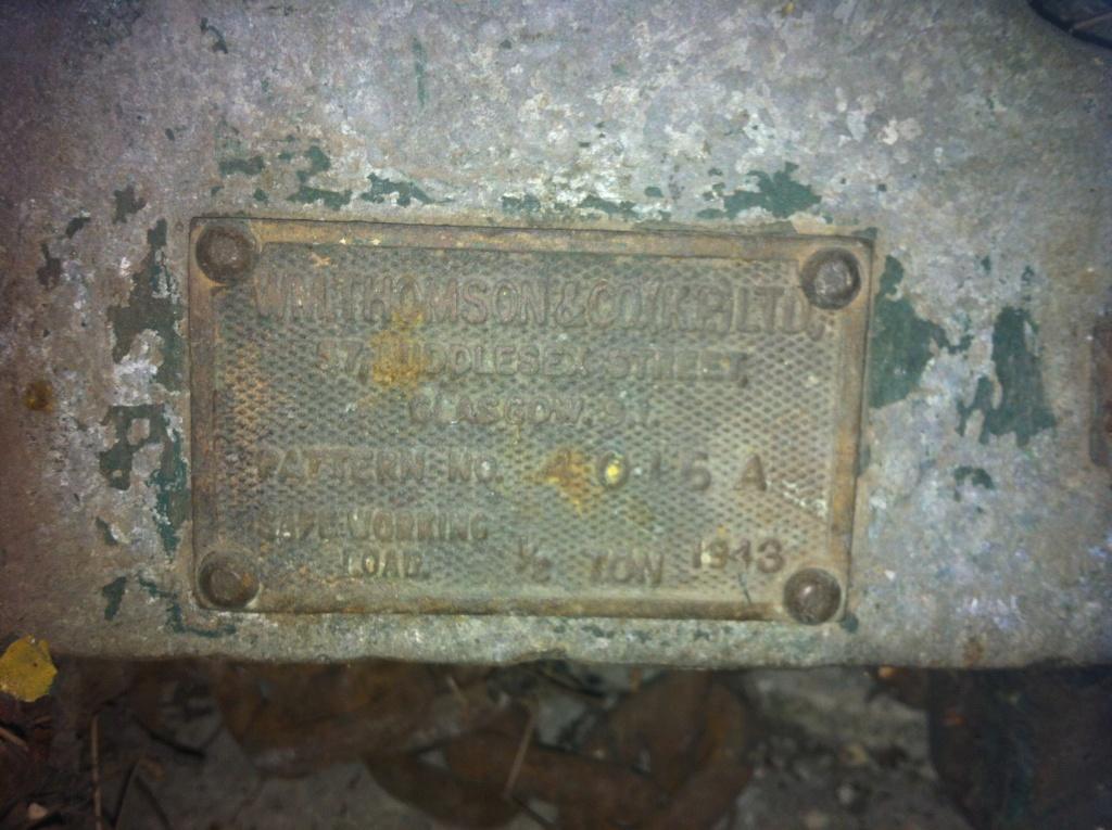 Matériel anglais WW2 (treuil ou palan) Img_0424