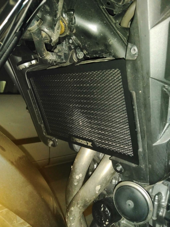 Chuches de Aliexpress montadas... protector radiador, pedal freno y alza cúpula Img_2039
