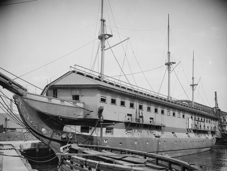USS Constitution 1_190310