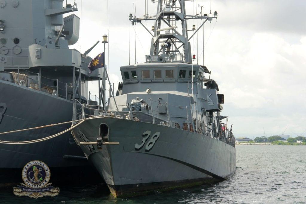 Marine des Philippines - Page 12 Genera10