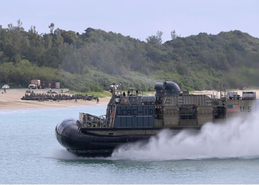 [interarmées] La force amphibie japonaise - Page 3 Lcac10