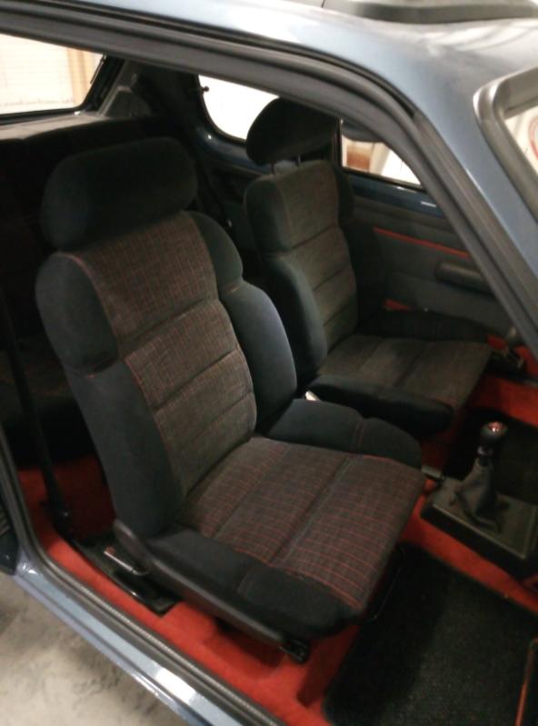 [79] 205 GTI 1L6 - 105cv - AM86 - Bleu Ming - Origine inconnue Img_2011