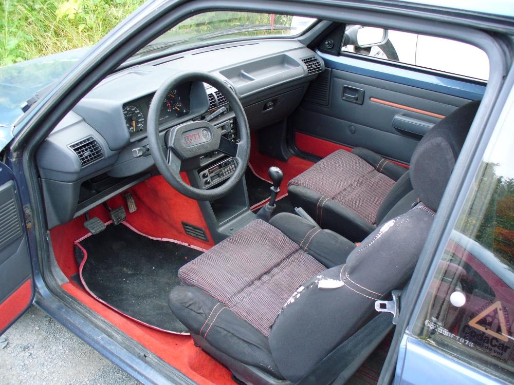 [79] 205 GTI 1L6 - 105cv - AM86 - Bleu Ming - Origine inconnue P1040010