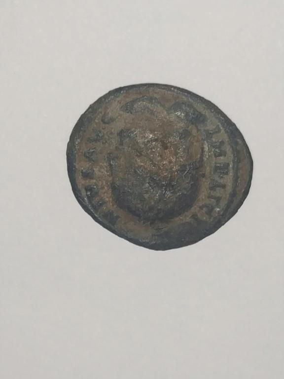 AE3 de Licinio I. DN LICINI AVGVSTI / VOT XX Img_2031