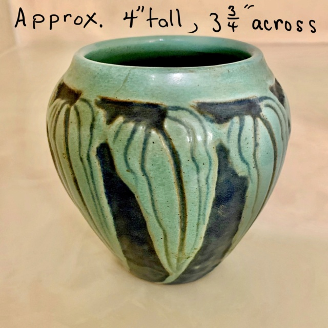 Small blue/green vase with embossed leaf design B62a7e10