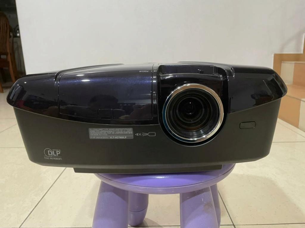 COMBO: Mitsubishi DLP Projector (HC7800LP) + 120'' 16:9  Projector Screen (Used) Whatsa10