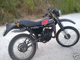 DTMX 125 cc MEMBRES : Personnalisées Btmnw210