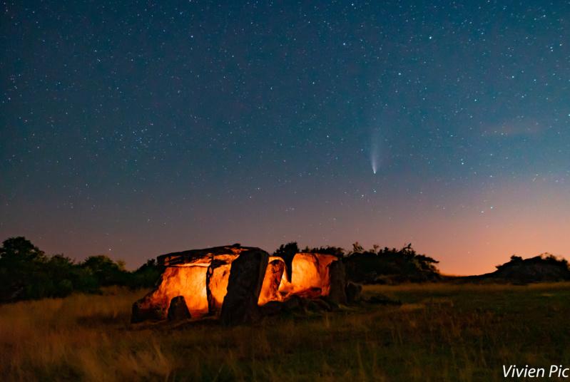 comète à l'horizon - Page 4 Dolmen10