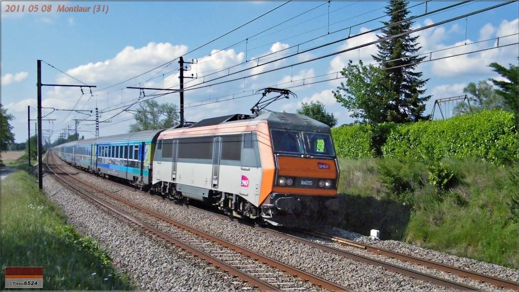 Photos et vidéos de la ligne Bordeaux - Toulouse - Narbonne - Sète (2007-2013) - Page 3 2011_107