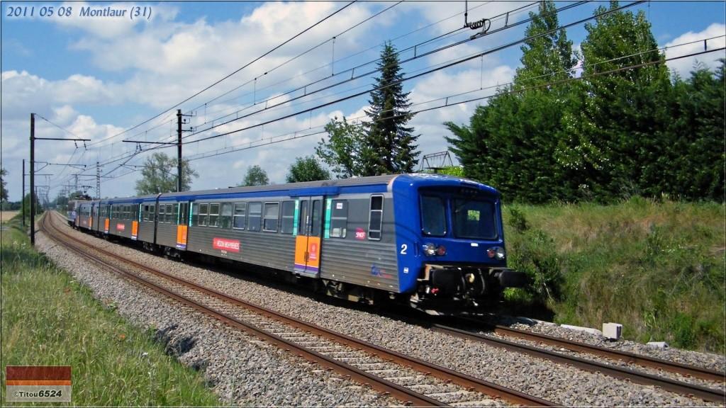 Photos et vidéos de la ligne Bordeaux - Toulouse - Narbonne - Sète (2007-2013) - Page 3 2011_111