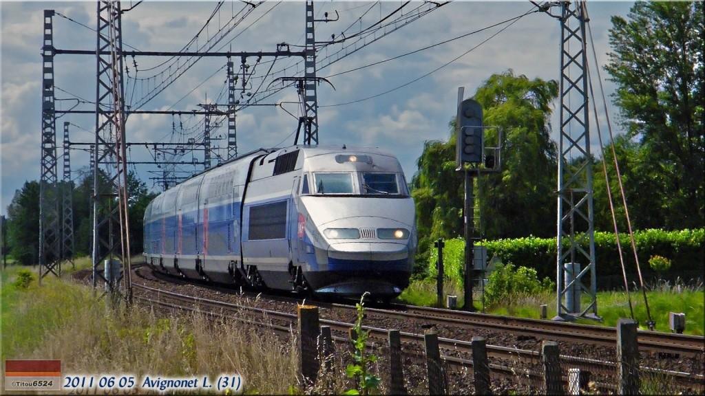 Photos et vidéos de la ligne Bordeaux - Toulouse - Narbonne - Sète (2007-2013) - Page 4 2011_153