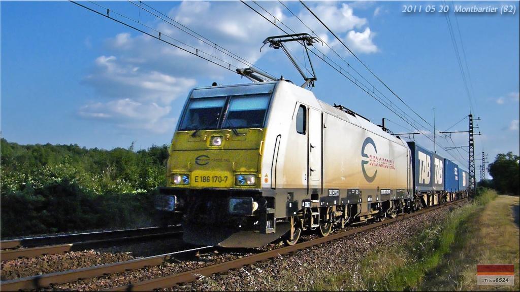 Photos et vidéos de la ligne Bordeaux - Toulouse - Narbonne - Sète (2007-2013) - Page 4 2011_157