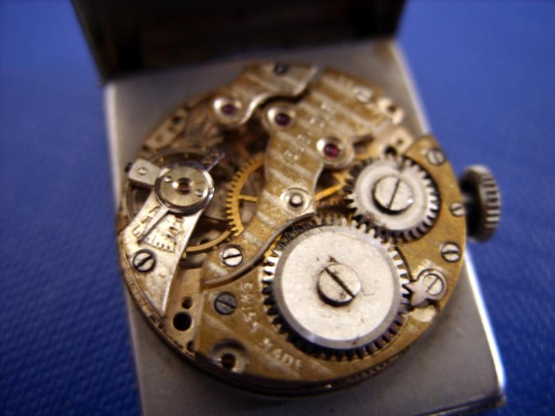 [vintage] Les montres bracelets à heures sautantes Ss857711
