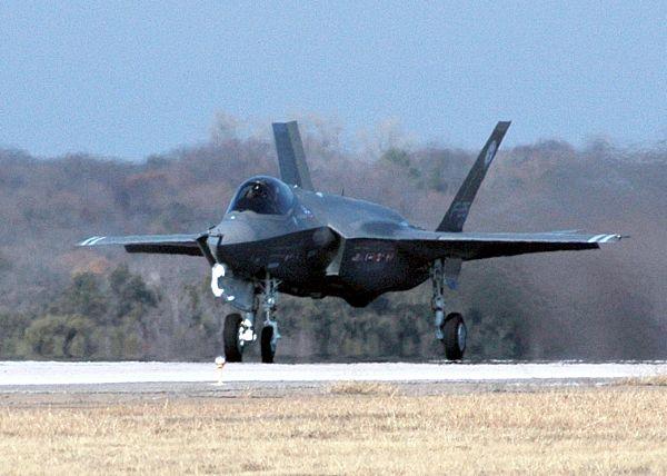 F-35 Lightning II Joint Strike Fighter Web_0610