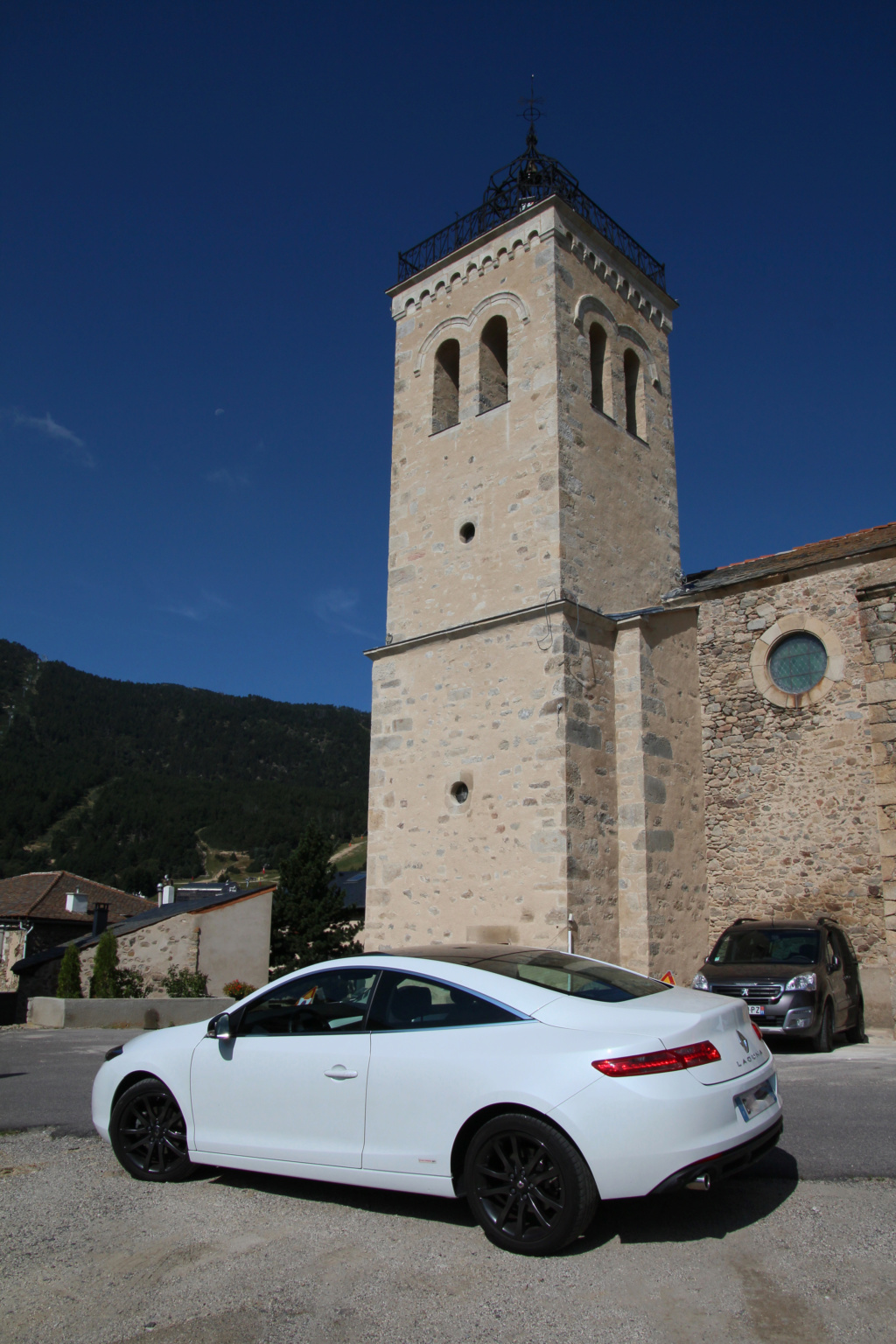 [Laurent66] LAGUNA III.2 Coupé 2.0 dCi 175 cv GP Monaco Bose Img_6814