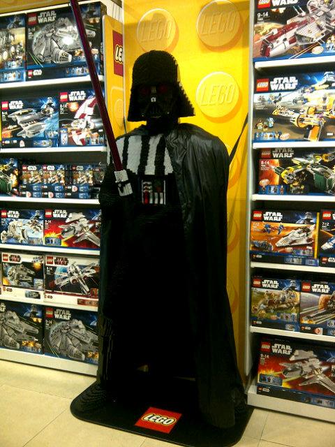 Les créations LEGO sur le NET - Page 4 Vador_12