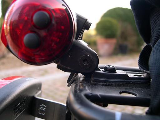 Support pour éclairage arrière sur Road 07 Fixati10