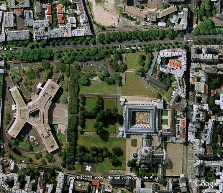 Le centre du monde : actualité au jour le jour - Page 4 Centre10
