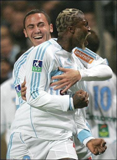 °°° Olympique Lyonnais °°° ~~~~~~~> lucas_le_fou - Page 2 Arton210