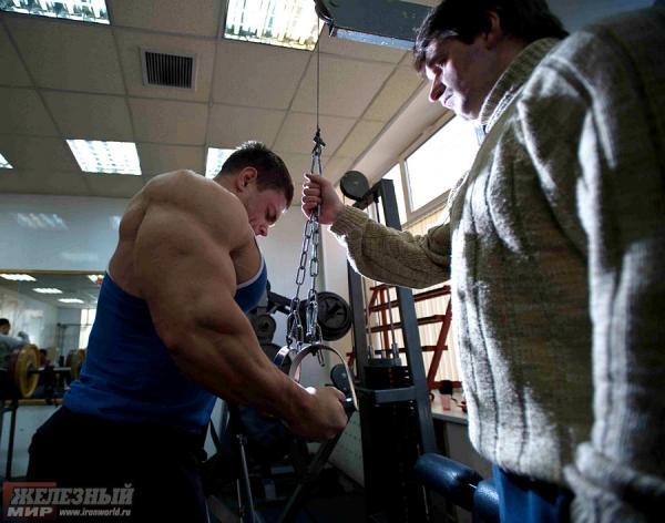 Alexei Lesukov en route pour l'Arnold Amateur - Page 2 02018a10