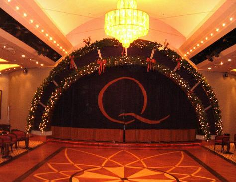LIVE from QM2 Xmas1210