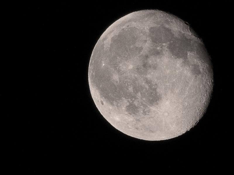 Lune avec FZ100 Lune0110