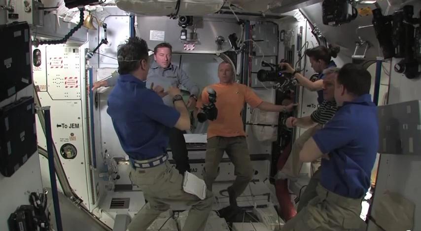 Recherche images de la cloche dans d'ISS Sans_t28
