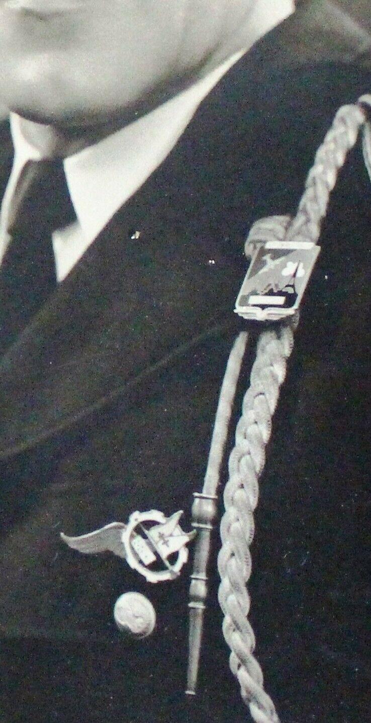 Insigne Armée de l'Air a identifier Insign10