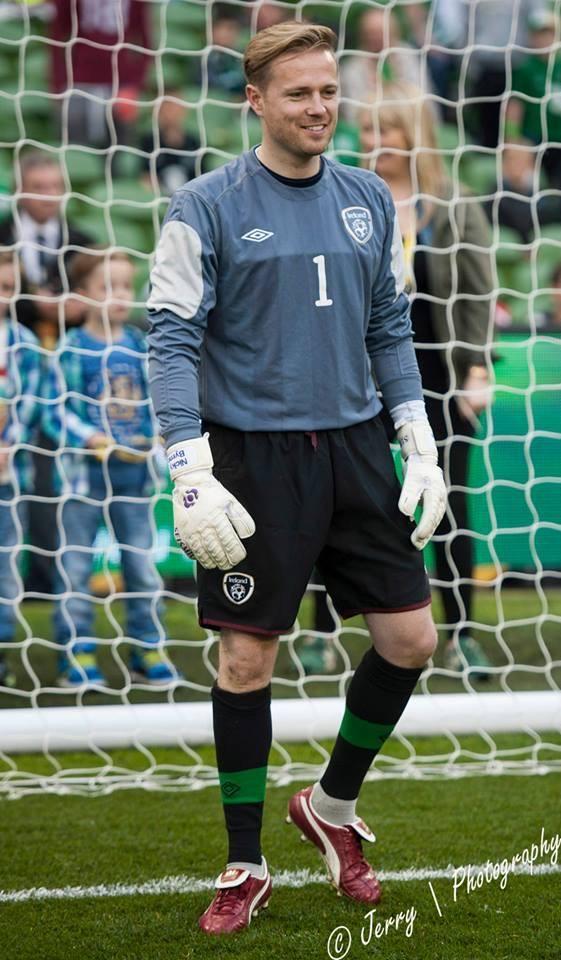 Los porteros más bajos de la historia del futbol -- Shortest goalkeepers in football - Página 10 Brne10