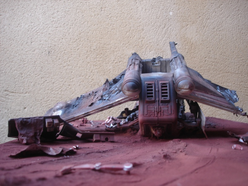 the gunship destroyed after the Battle of Geonosis ah ah :) Dsc08622