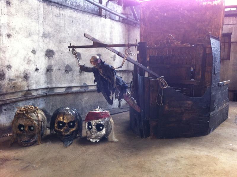 décor bateau pirates inspiré par le film pirates des caraibe Img_2111