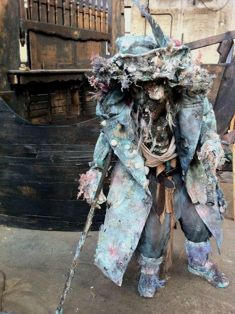 décor bateau pirates inspiré par le film pirates des caraibe Img_2311