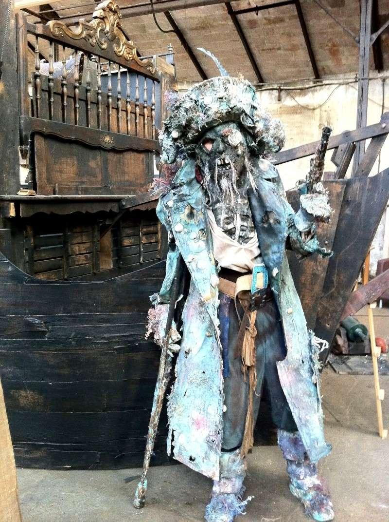 décor bateau pirates inspiré par le film pirates des caraibe Img_2313