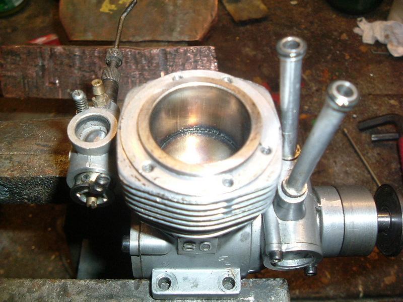 Les moteurs  4 temps (révision et réparations) Dscf2831